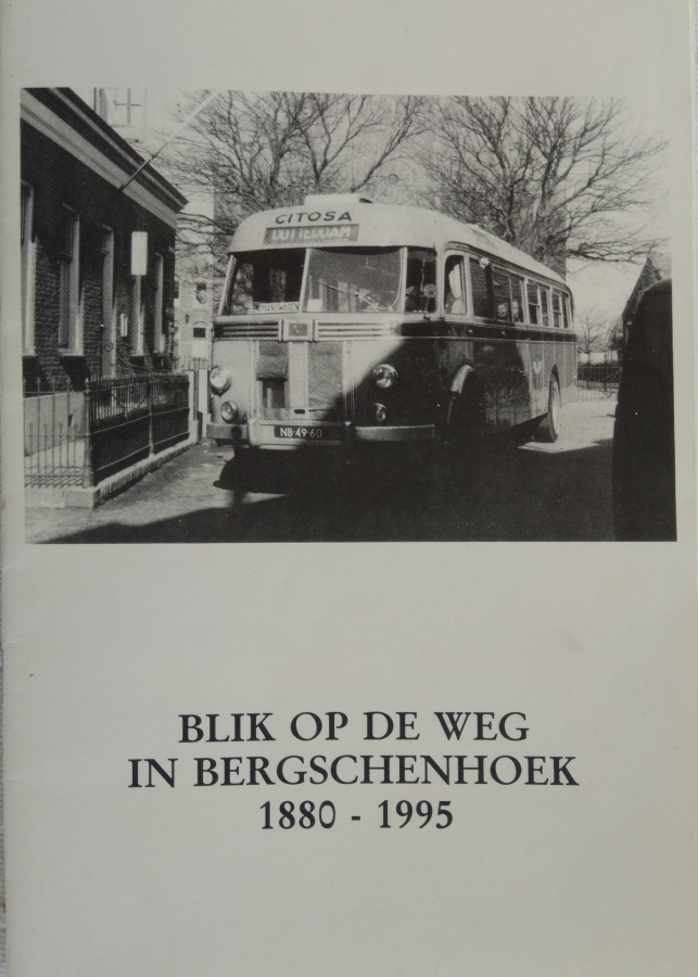 Blik-op-de-weg-in-Bergschenhoek-1880-1995