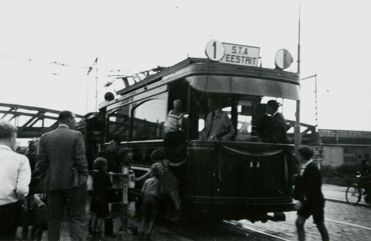 1946-Feestrit-STA-12
