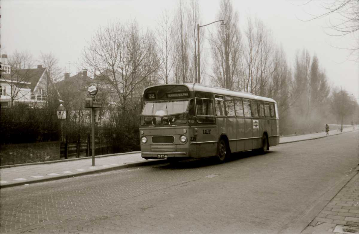 239-02-Leyland-Panther-a