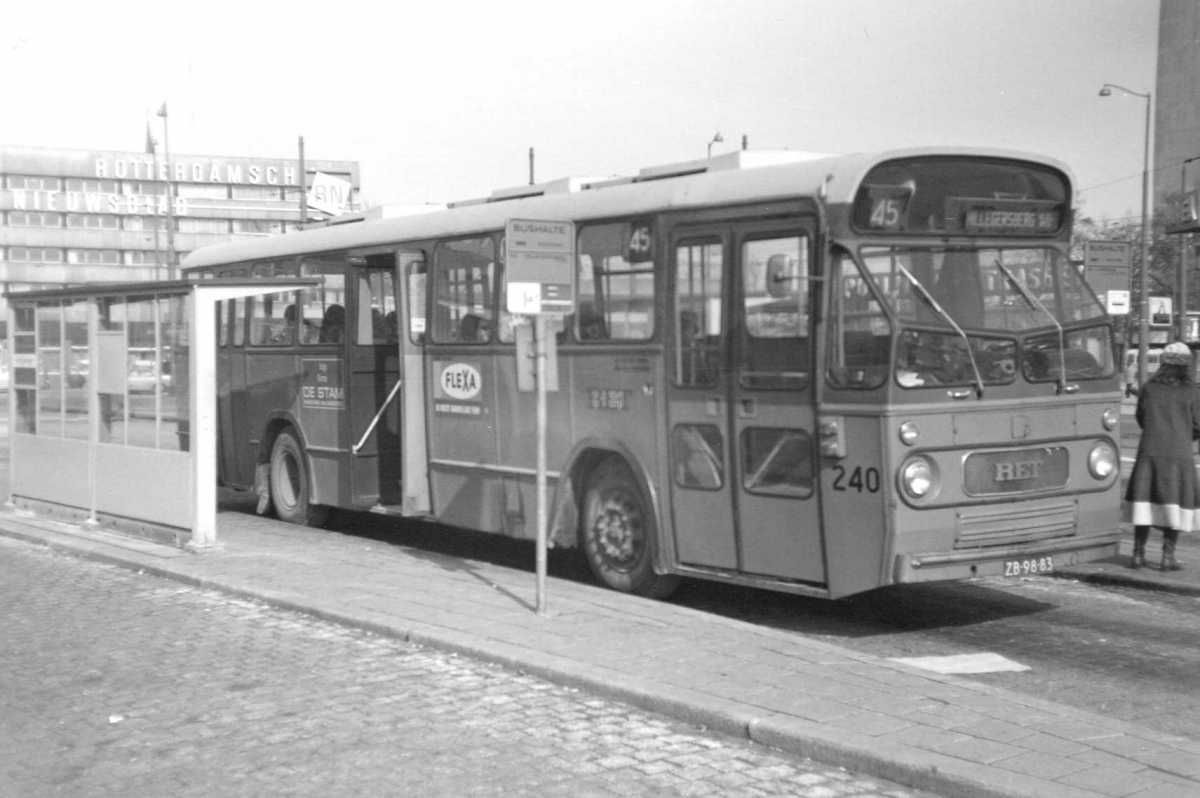 240-01-Leyland-Panther-a