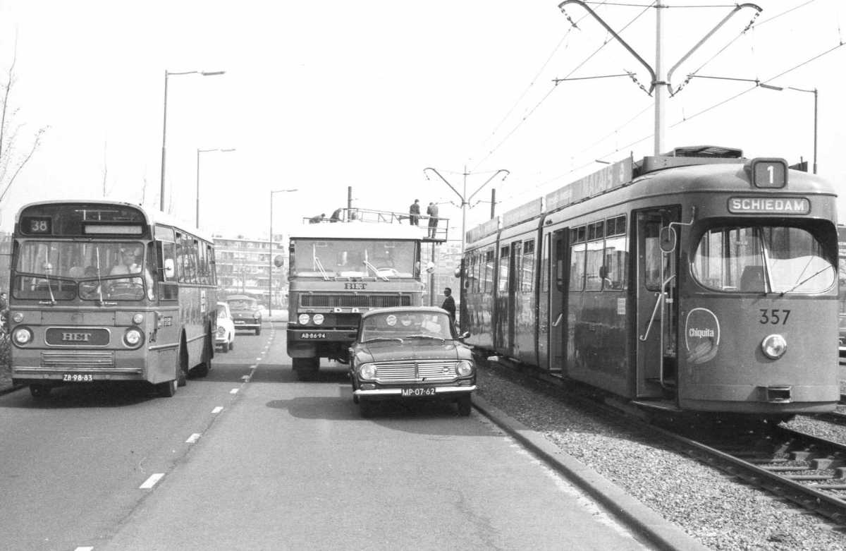 240-02-Leyland-Panther-a