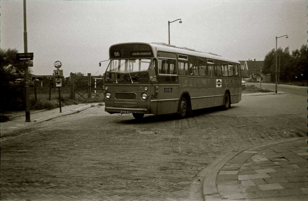 240-03-Leyland-Panther-a