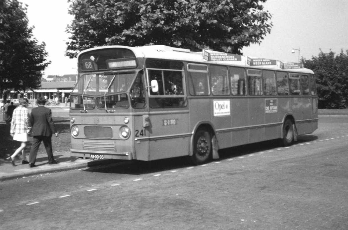 241-02-Leyland-Panther-a