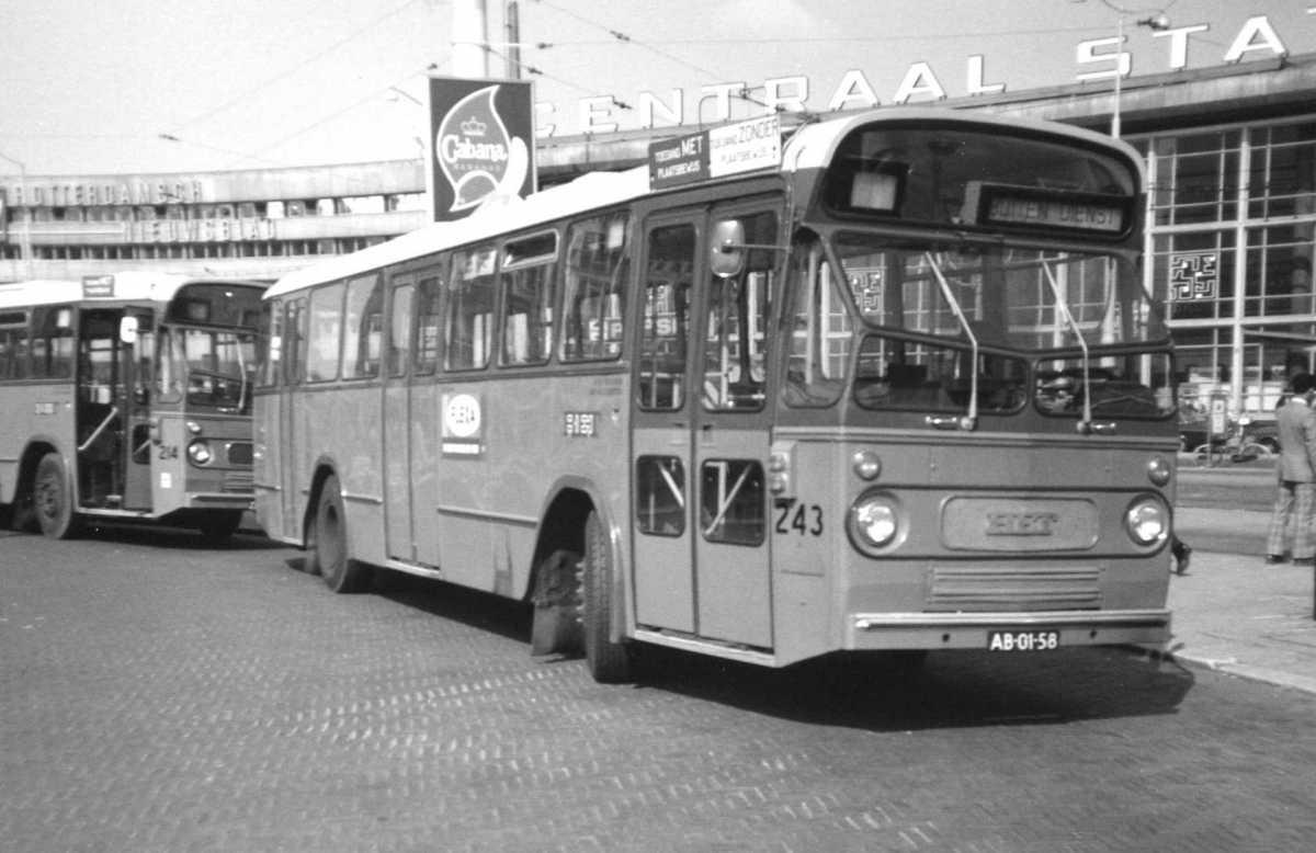243-02-Leyland-Panther-a
