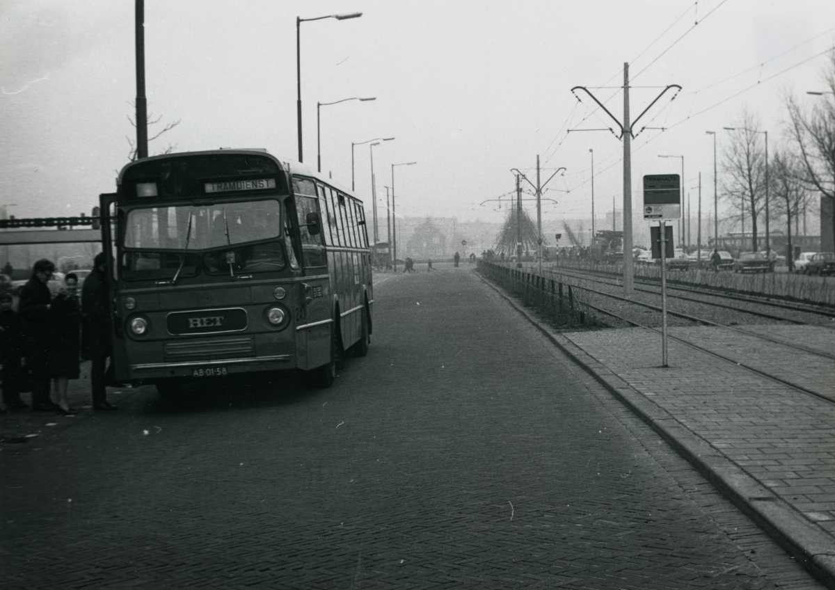 243-04-Leyland-Panther-a