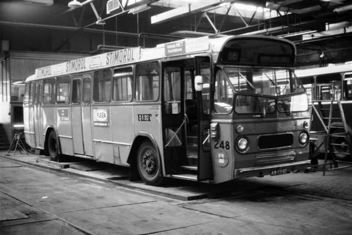 248-01-Leyland-Panther-a