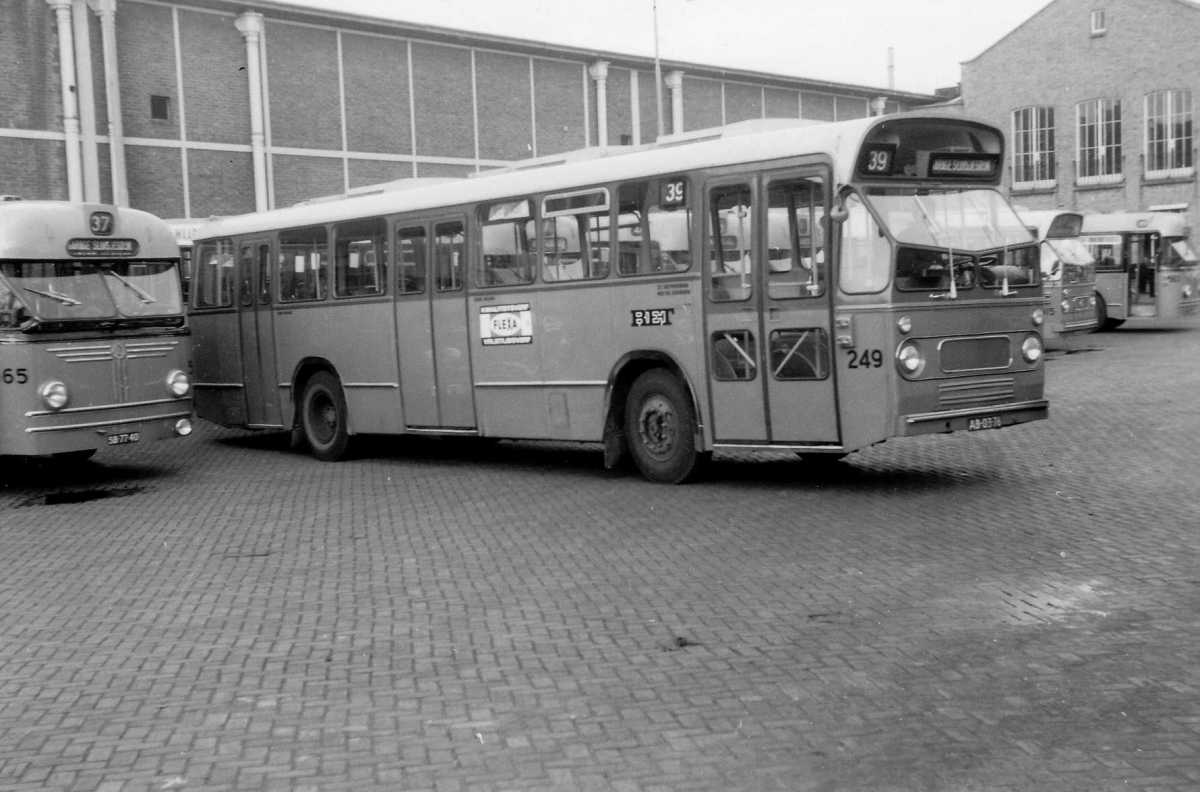 249-01-Leyland-Panther-a