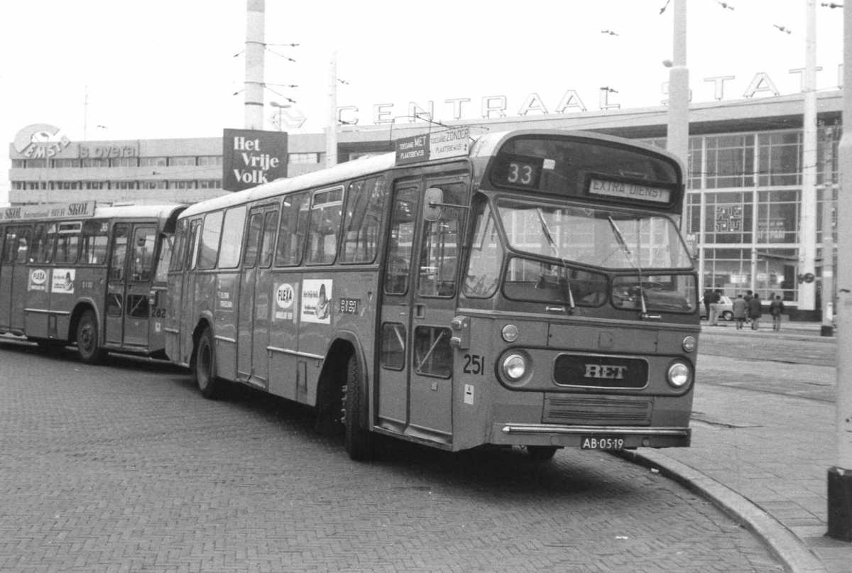 251-04-Leyland-Panther-a
