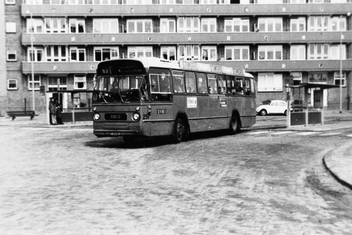 251-05-Leyland-Panther-a