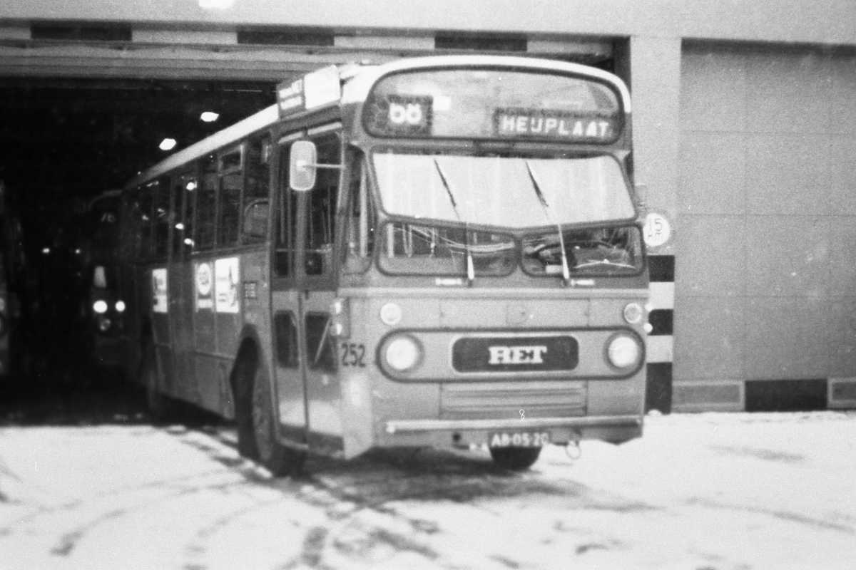 252-03-Leyland-Panther-a