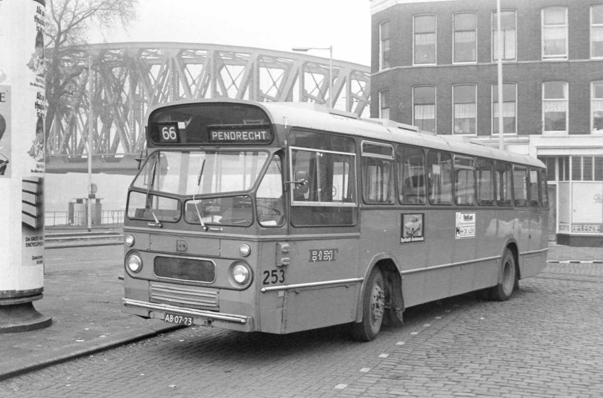 253-02-Leyland-Panther-a