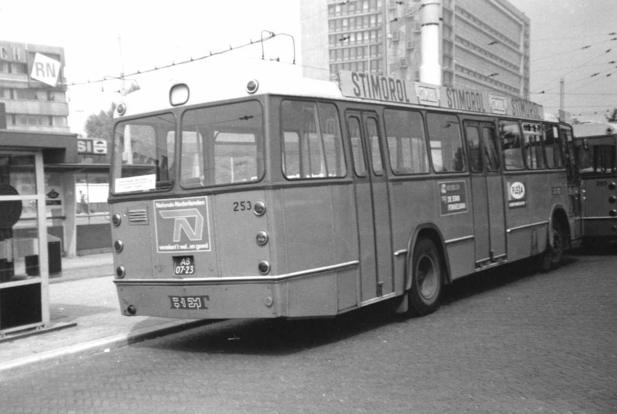 253-03-Leyland-Panther-a