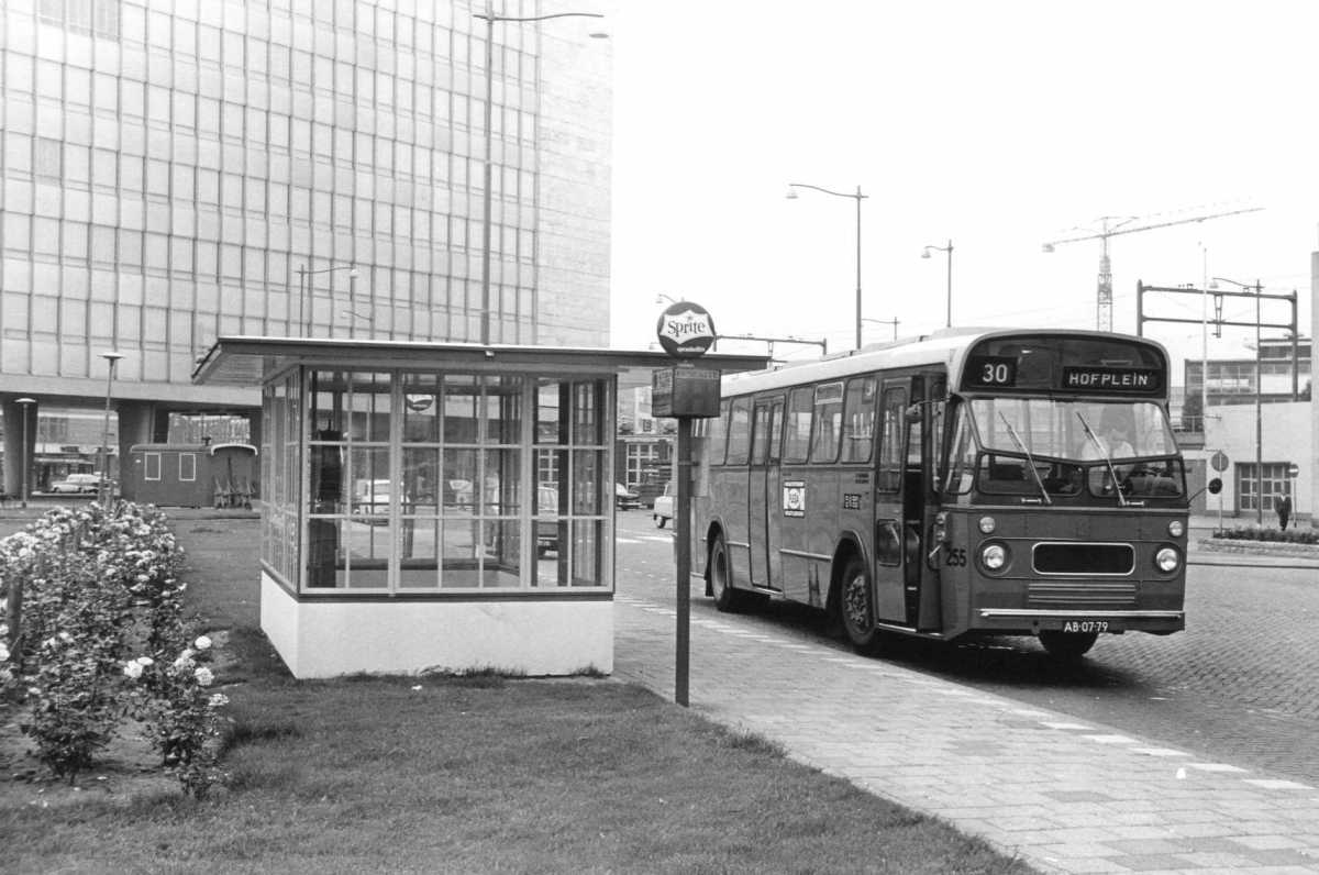 255-02-Leyland-Panther-a