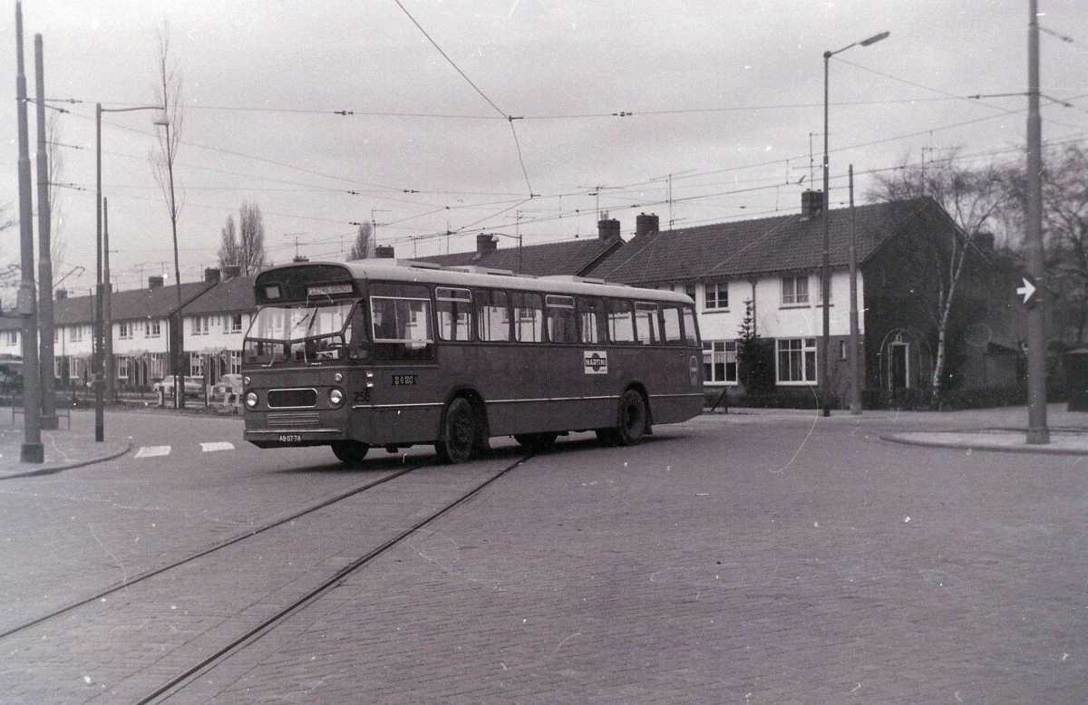 256-05-Leyland-Panther-a