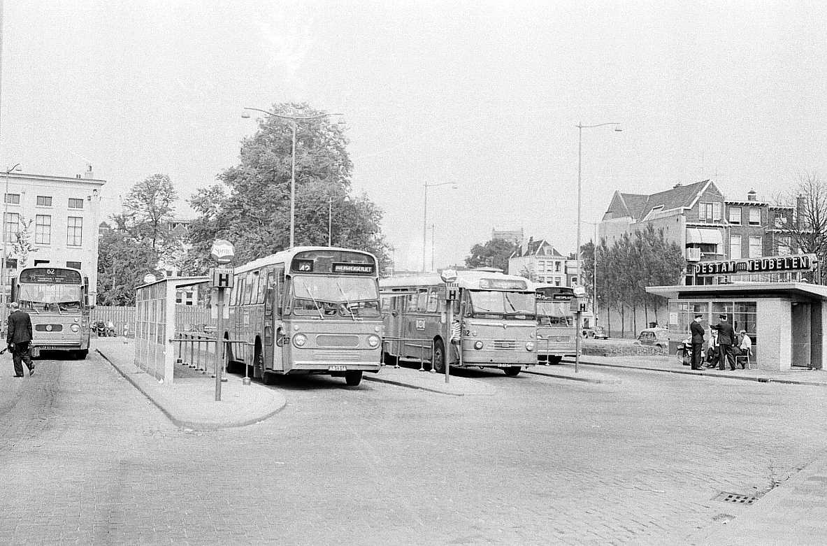 257-01-Leyland-Panther-a