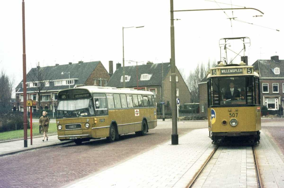 257-02-Leyland-Panther-a