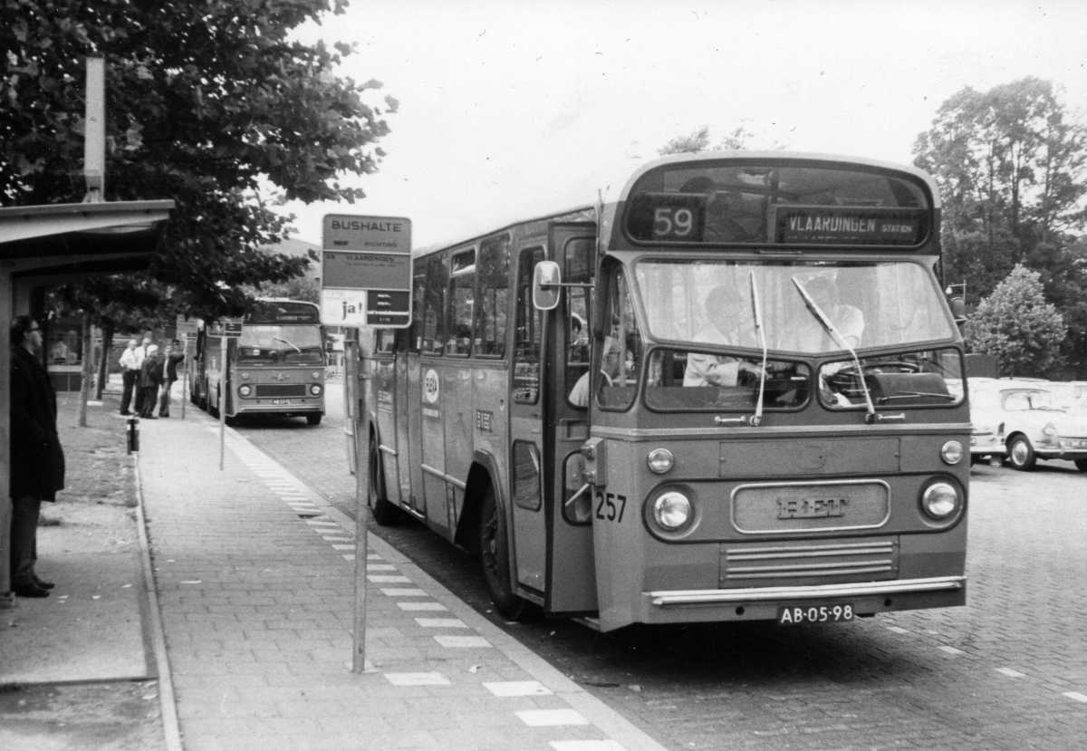 257-04-Leyland-Panther-a