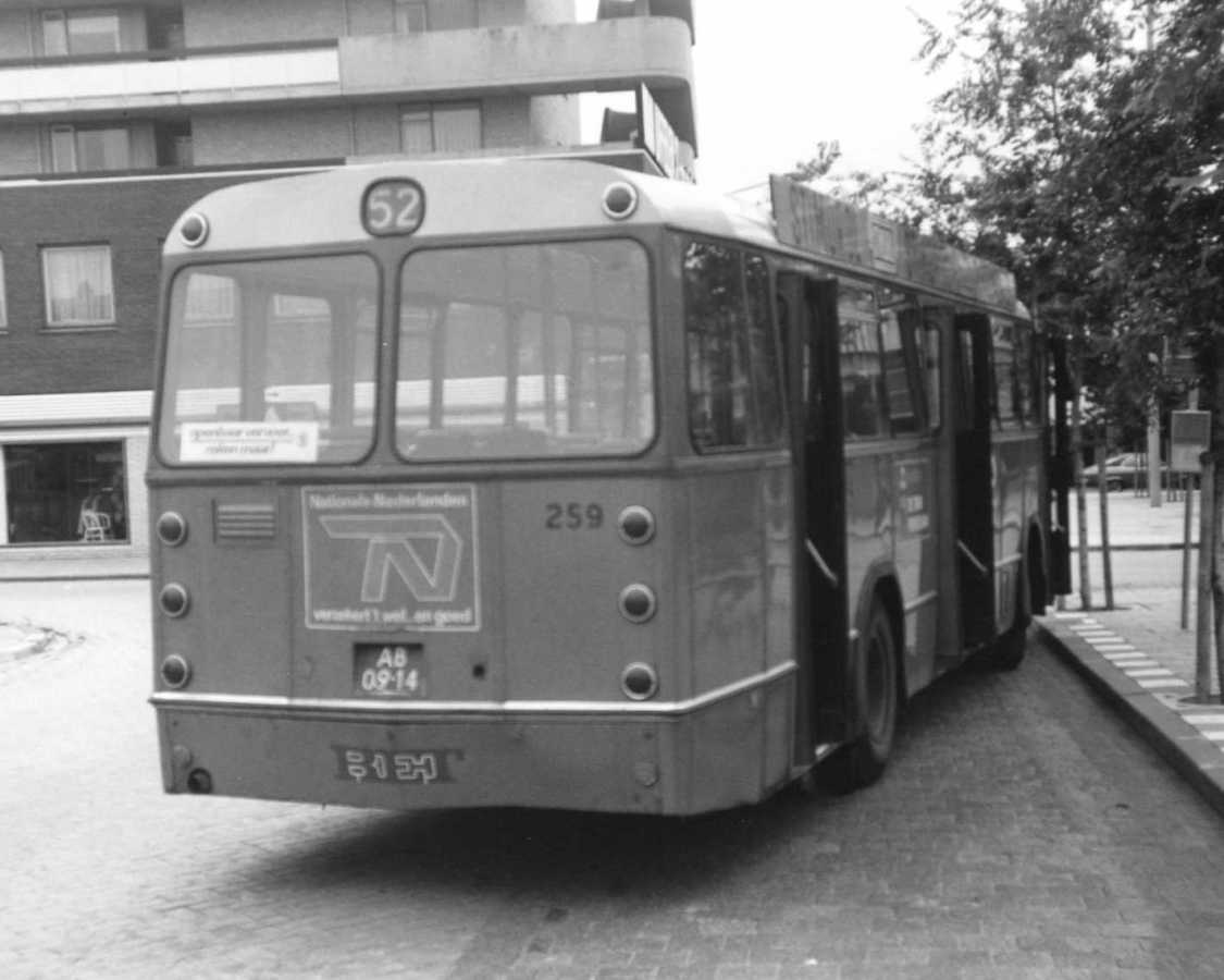 259-01-Leyland-Panther-a
