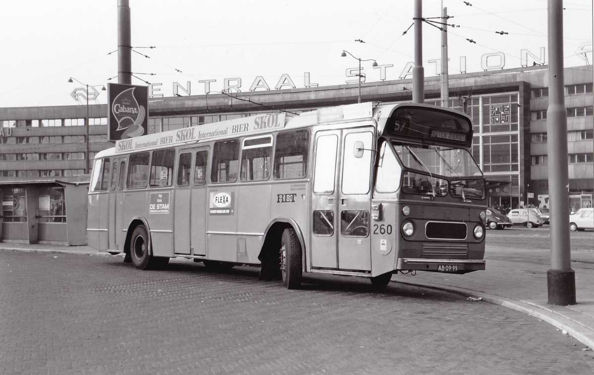 260-11-Leyland-Panther-a