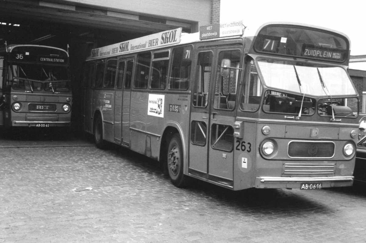 263-01-Leyland-Panther-a