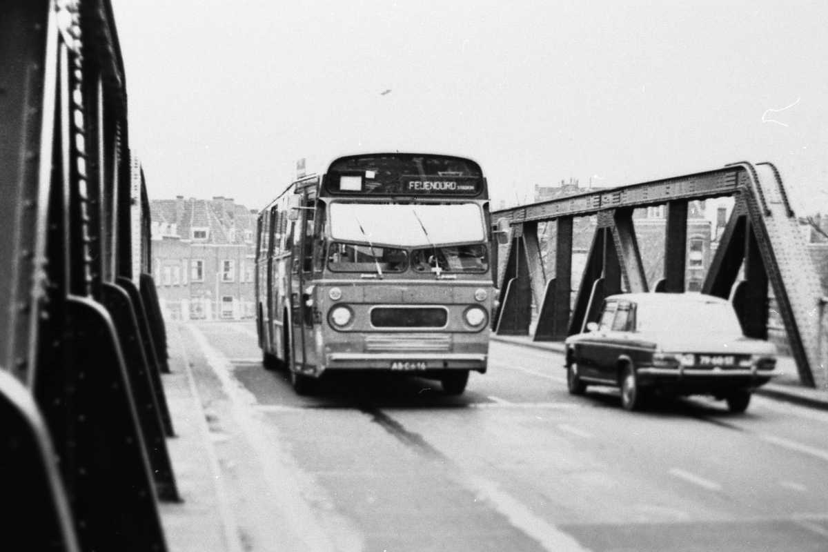263-02-Leyland-Panther-a