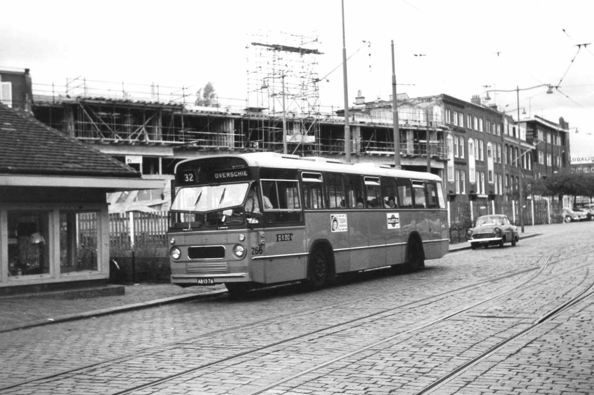 266-03-Leyland-Panther-a