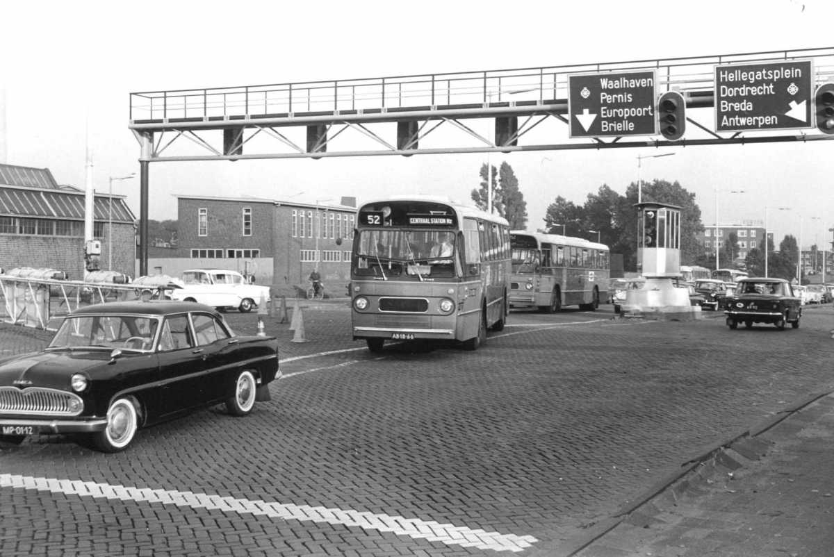 277-02-Leyland-Panther-a