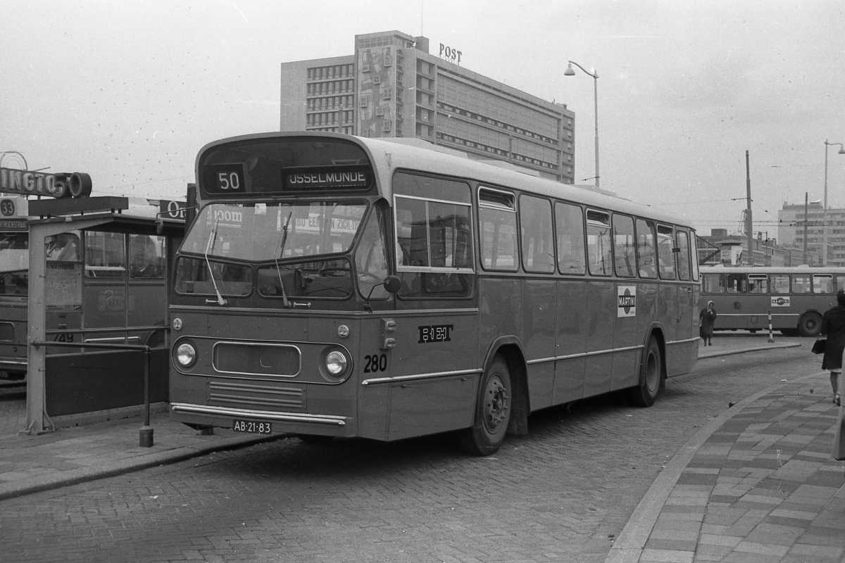 280-01-Leyland-Panther-a