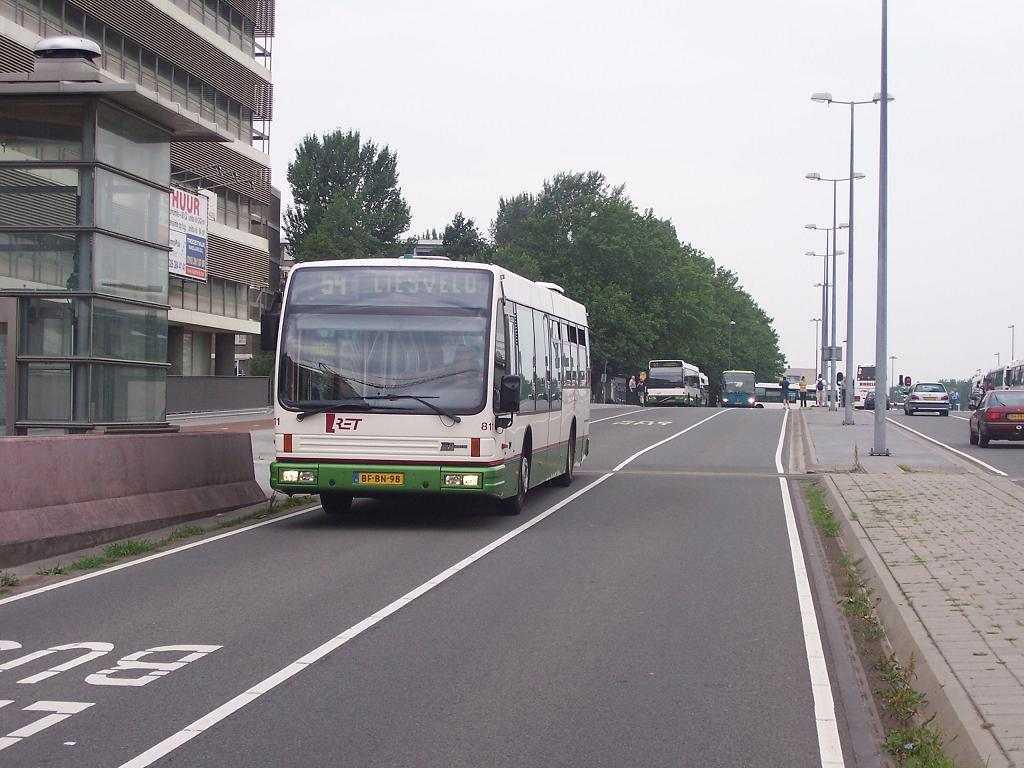 811-2 DAF-Den Oudsten -a