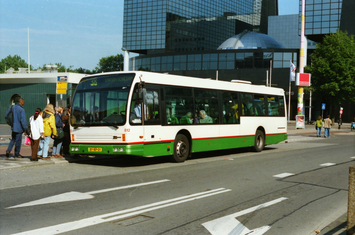 812-11 DAF-Den Oudsten -a