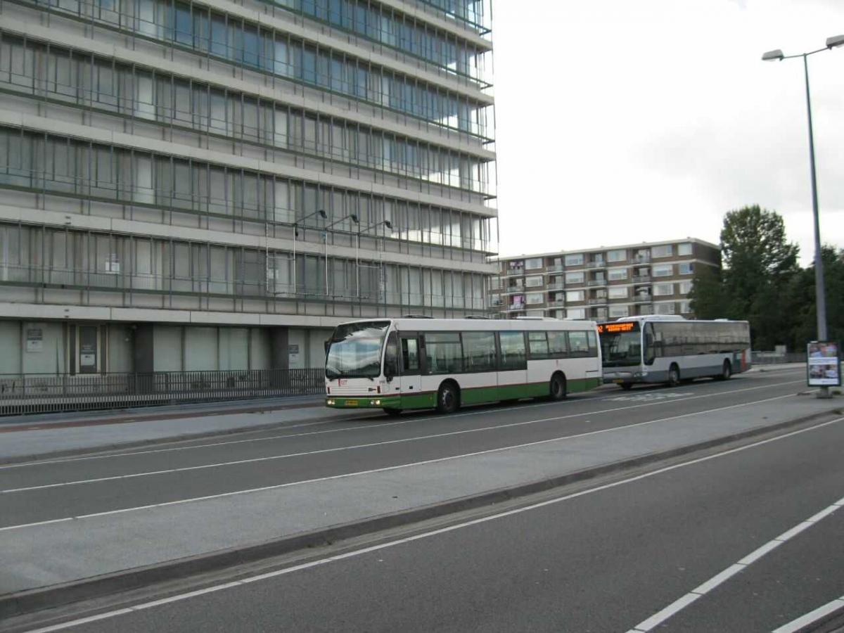 814-2 DAF-Den Oudsten -a