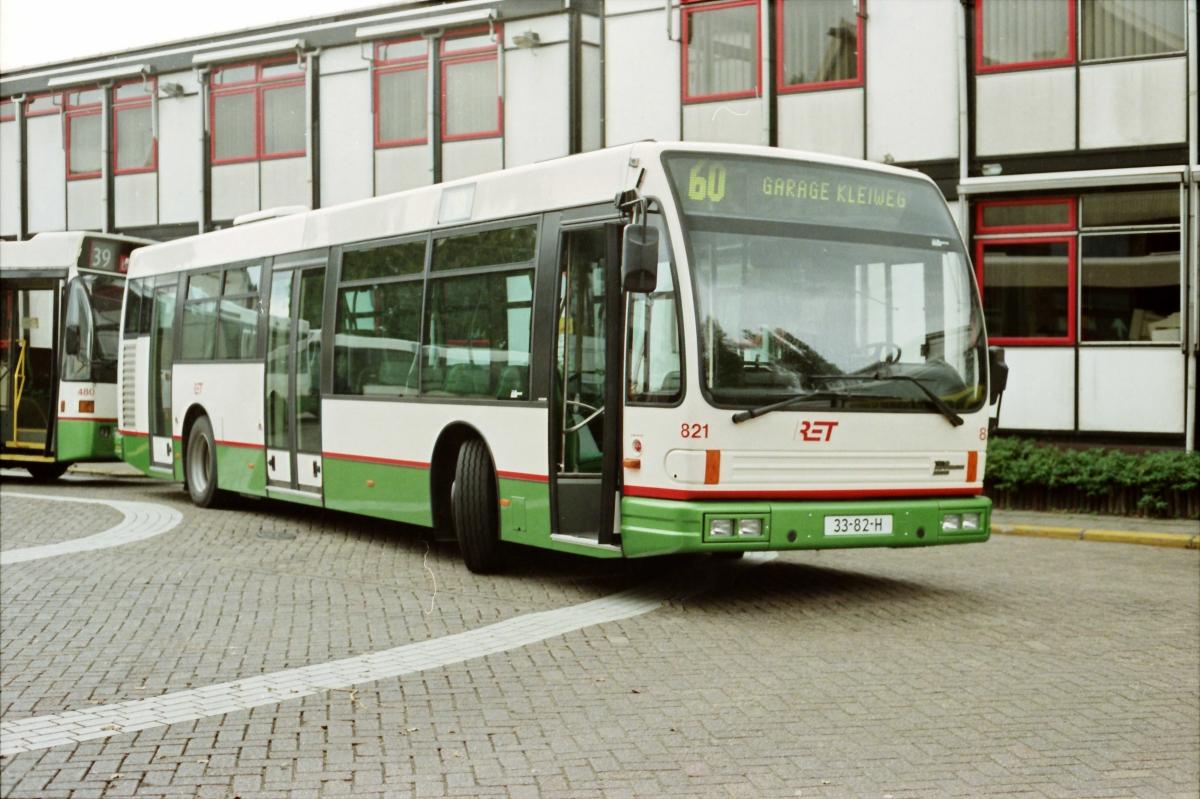 821-4 DAF-Den Oudsten -a