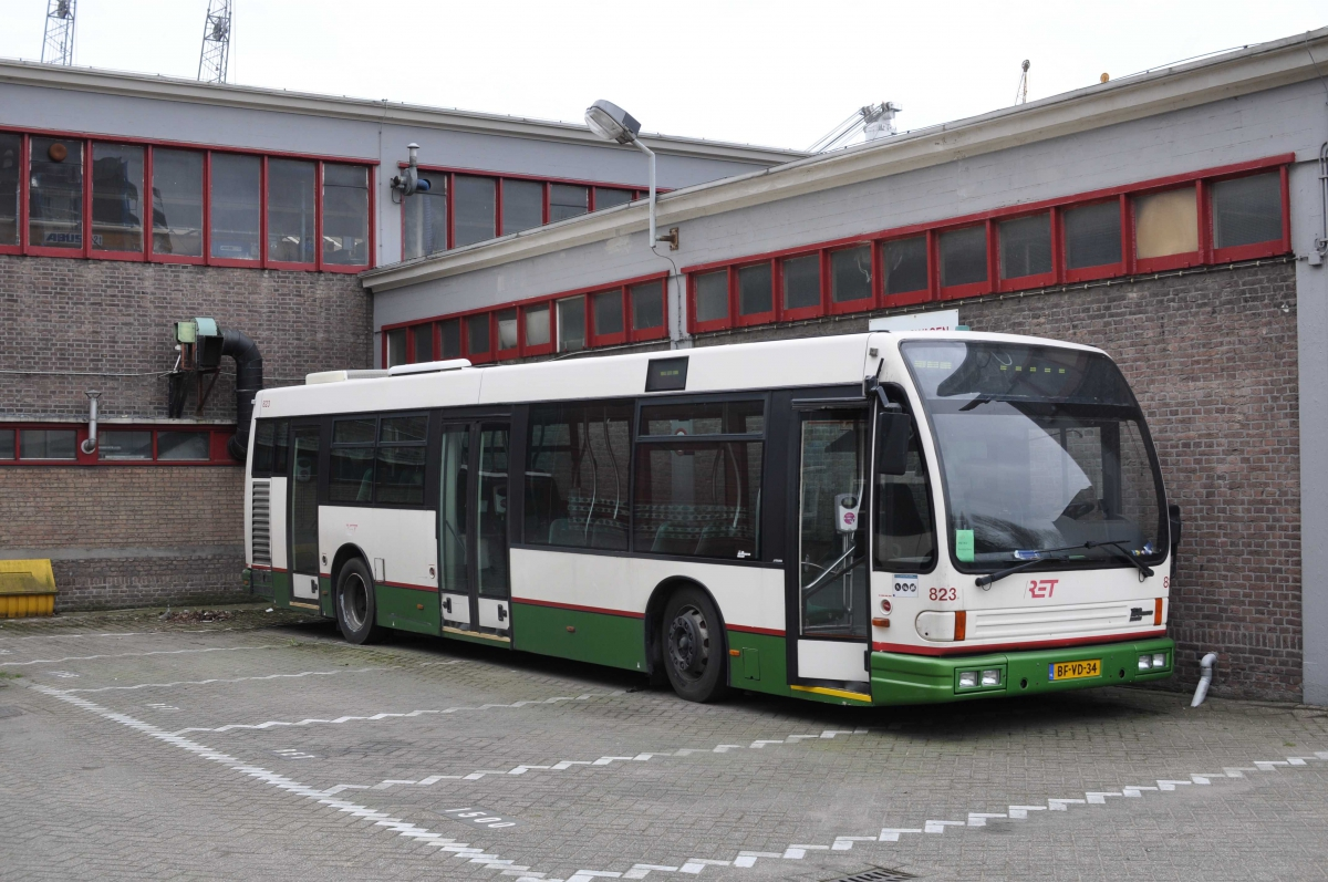823-2 DAF-Den Oudsten -a