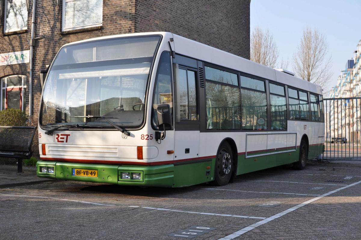 825-3 DAF-Den Oudsten -a