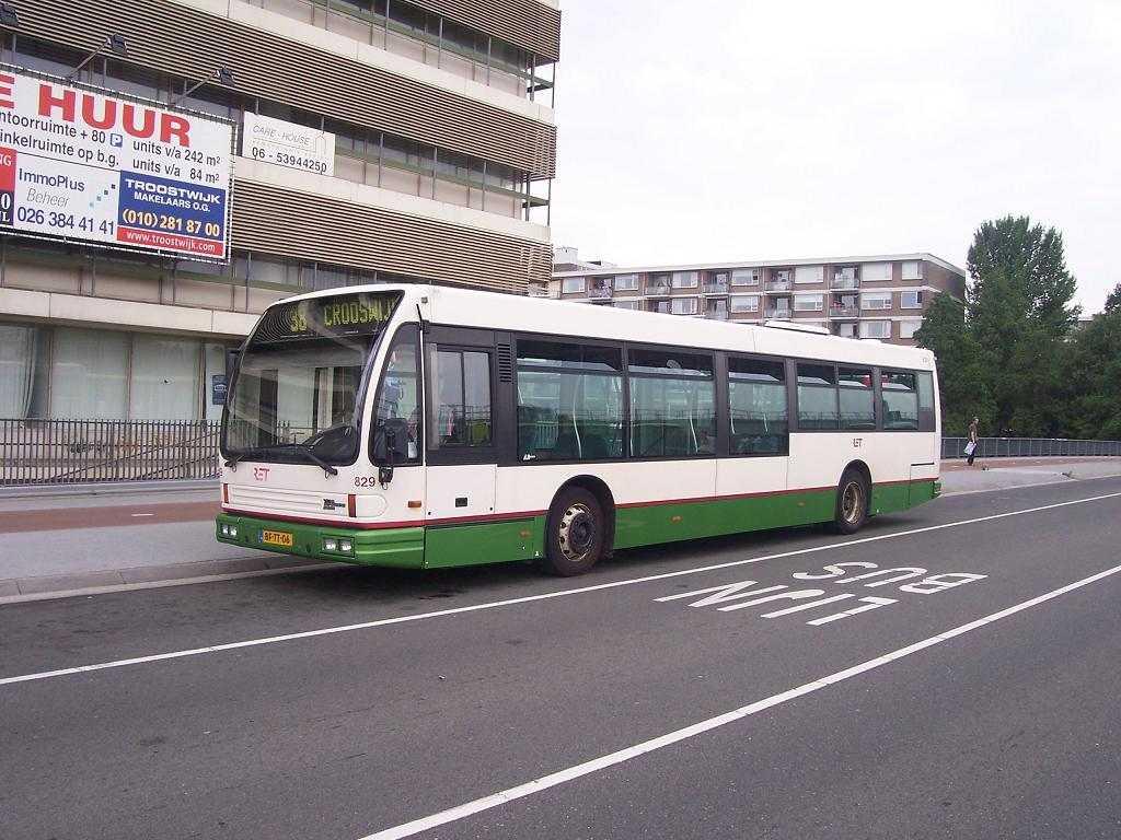 829-3 DAF-Den Oudsten -a