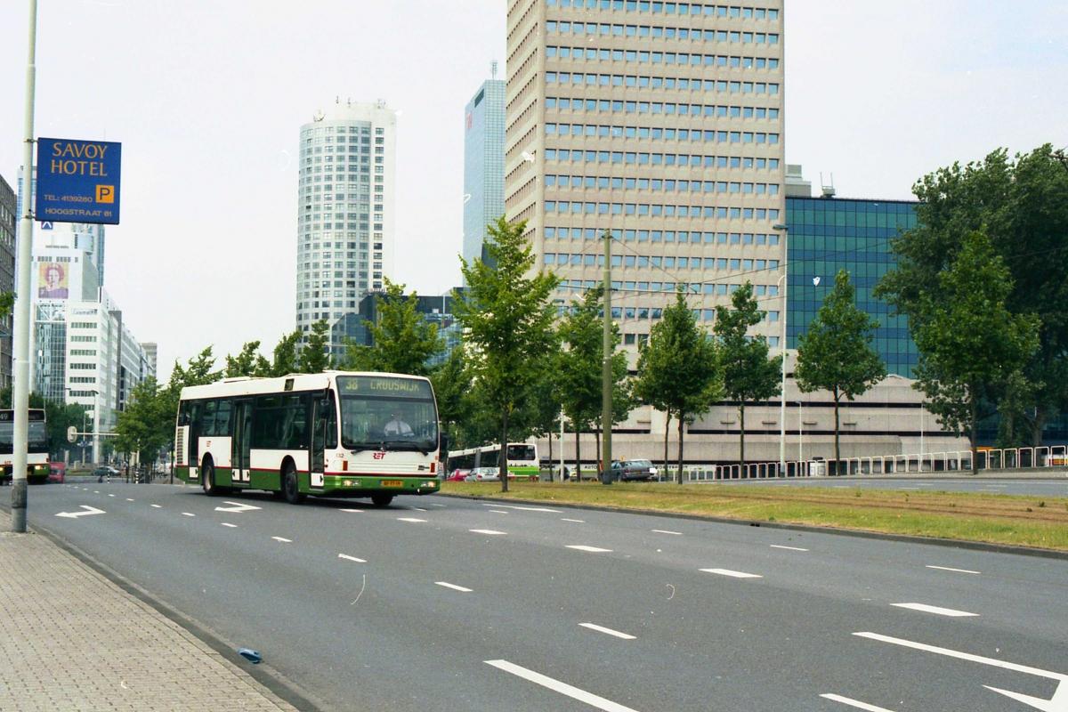 832-1 DAF-Den Oudsten -a