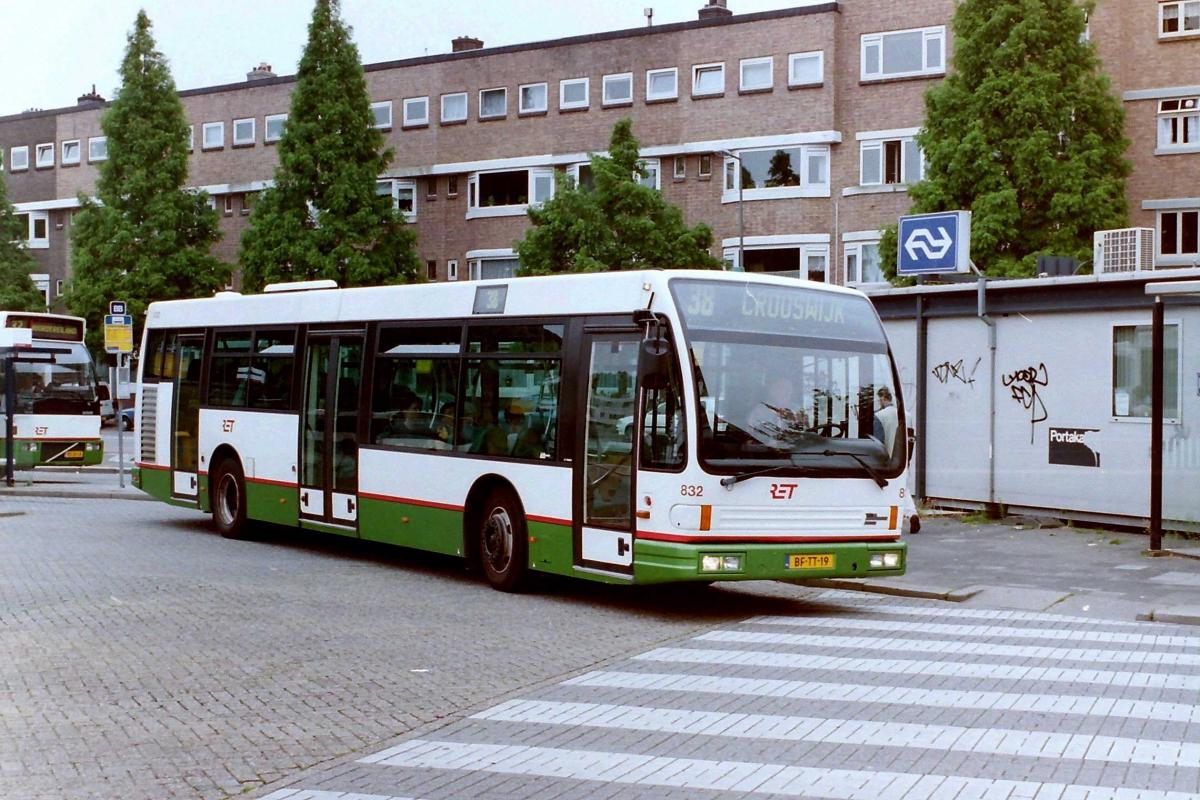 832-3 DAF-Den Oudsten -a