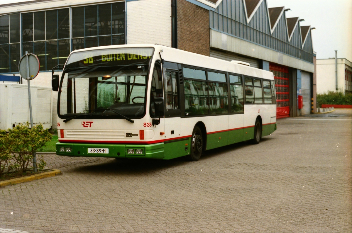 835-3 DAF-Den Oudsten -a
