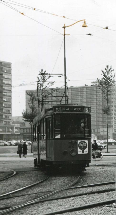 441-V-403a