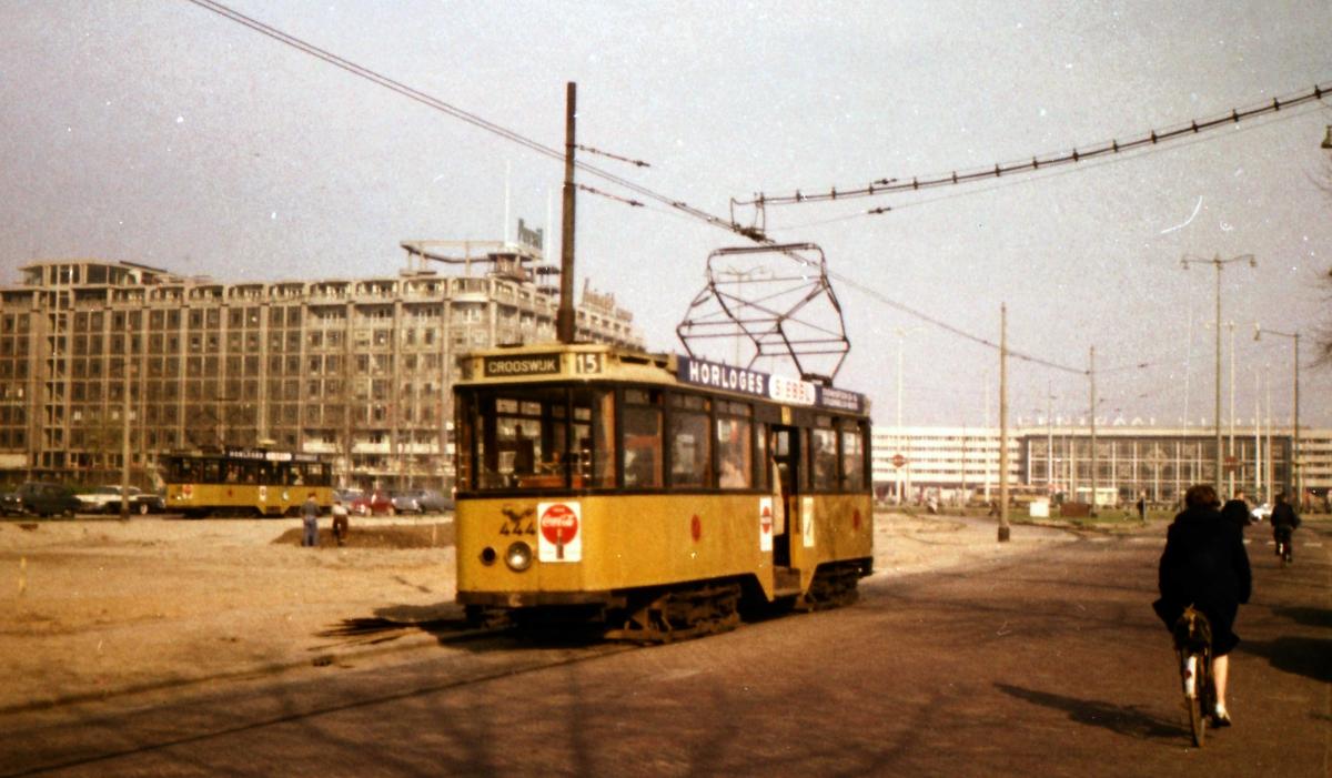 444-V-402a