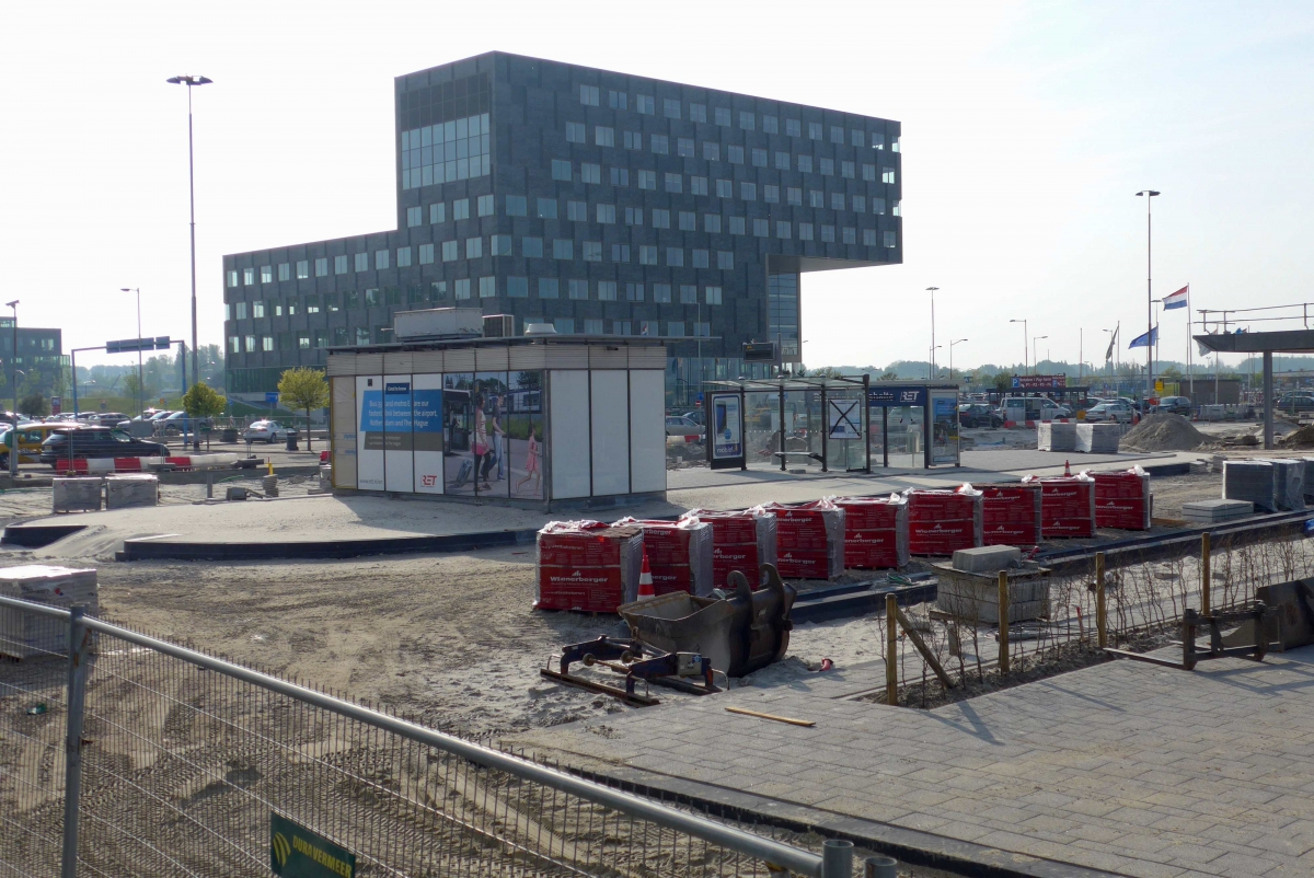 Rotterdam The Hague Airport 2017-6 -a
