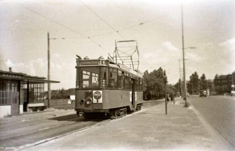 Aelbrechtsplein 1954-1 -a
