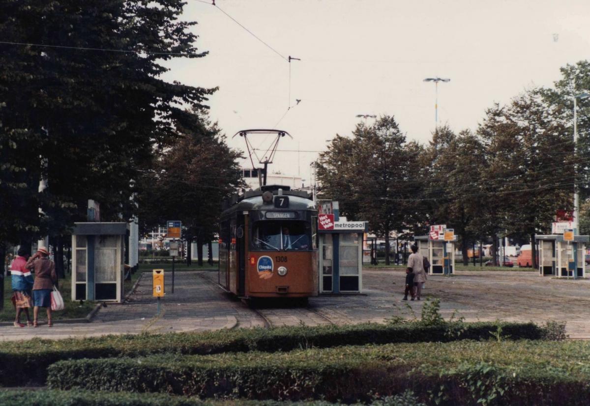 Kruisplein 1985-1 -a