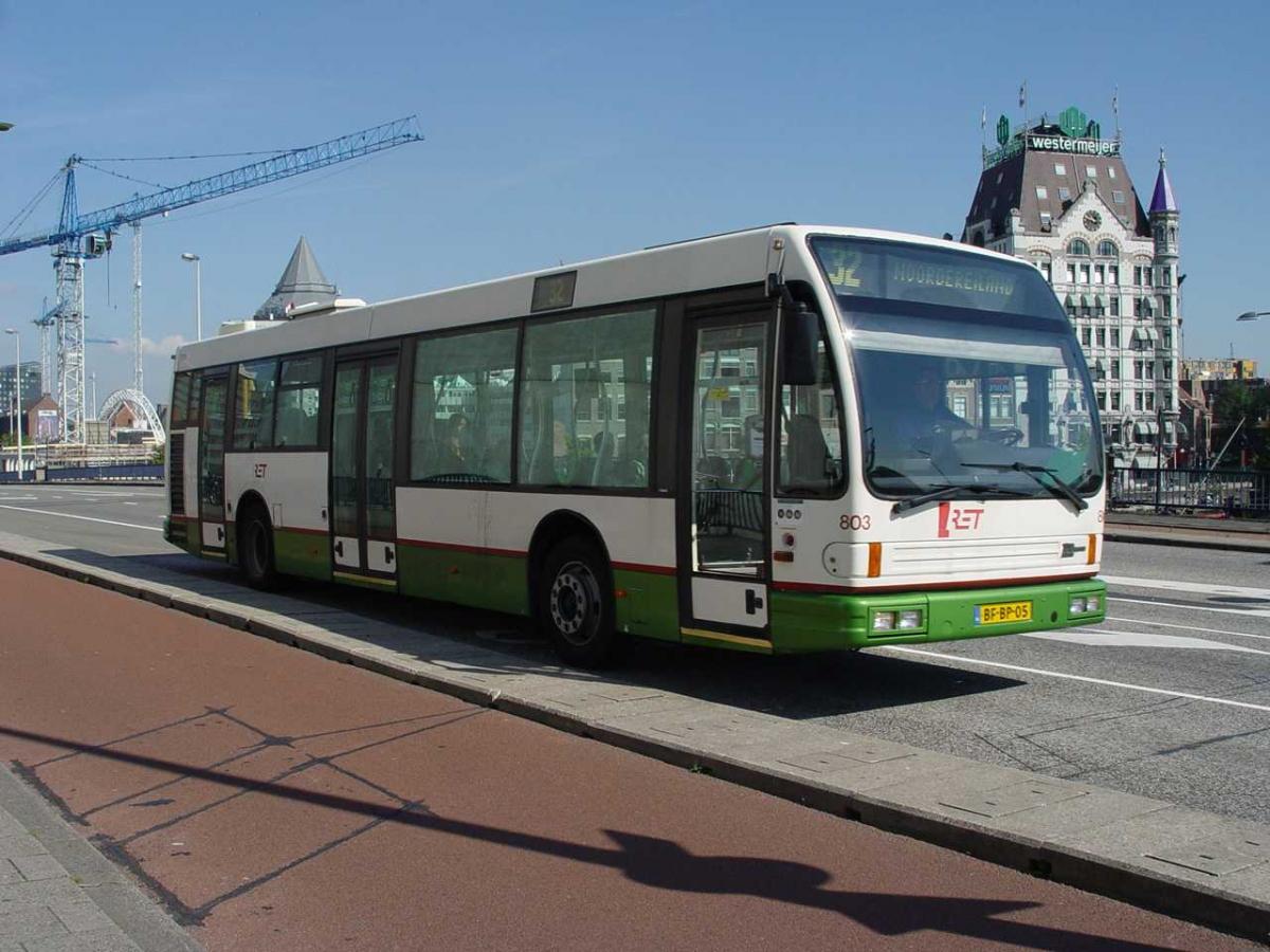 803-3 DAF-Den Oudsten -a