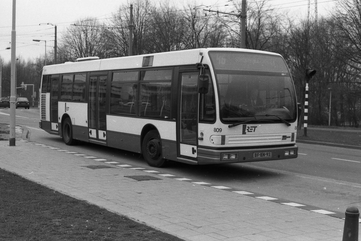 809-4 DAF-Den Oudsten -a