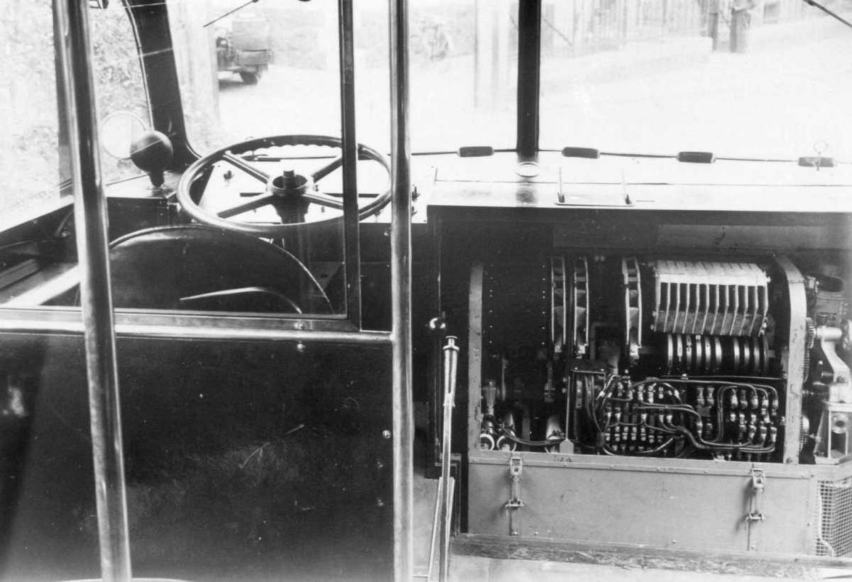 124-3-Kromhout-Trolley