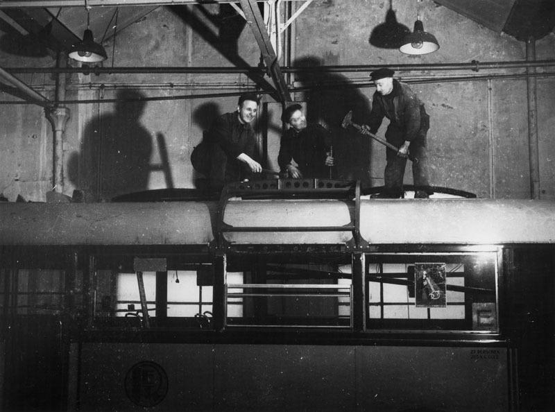124-7-Kromhout-Trolley