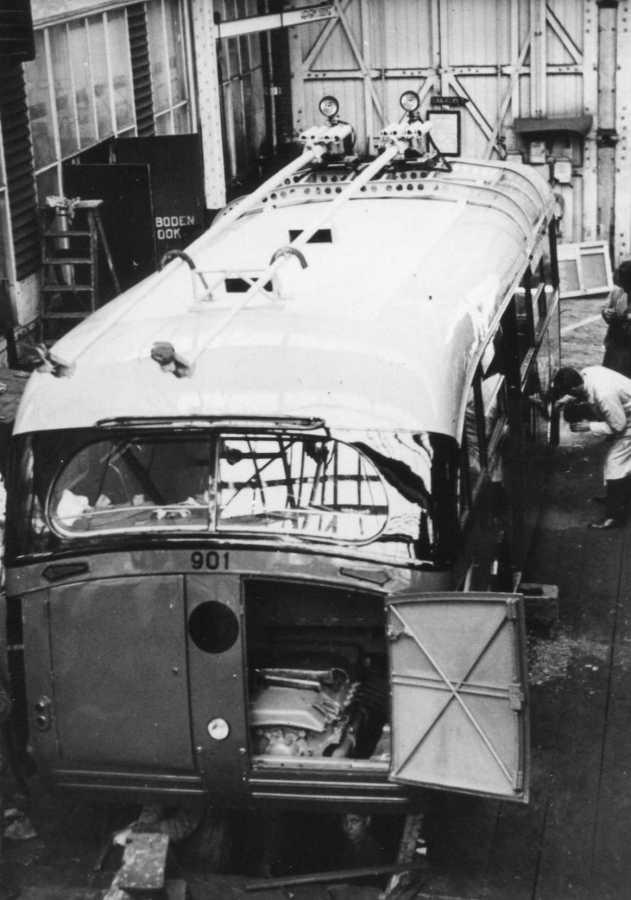 901-3-Kromhout-Trolley