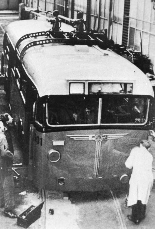 901-4-Kromhout-Trolley