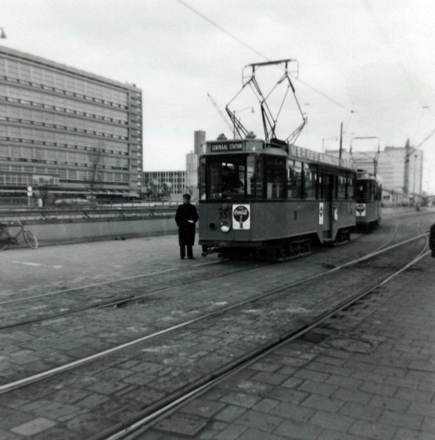 551-V-407a